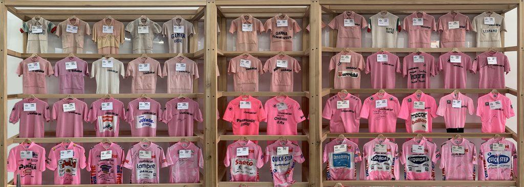 Collezione di Maglie rosa al Museo del Ghisallo