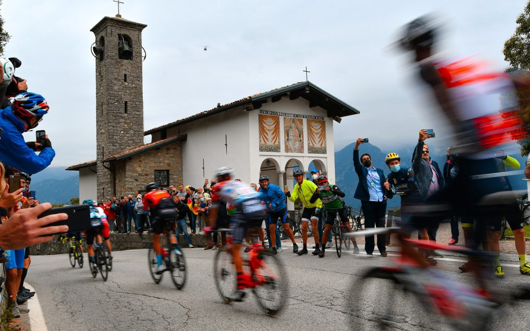 THE PASSAGE OF THE TOUR OF LOMBARDY 2021: WATCH THE VIDEO